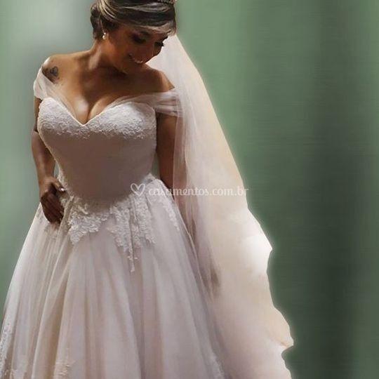 Vestido de Noiva renda e tule