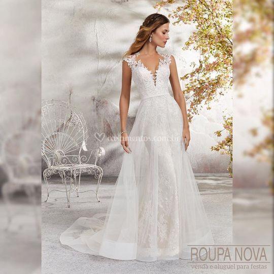 Vestido de Noiva evasê e renda