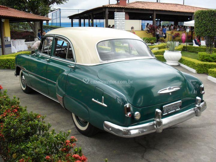 Sóbrio e elegante Bel Air 1951