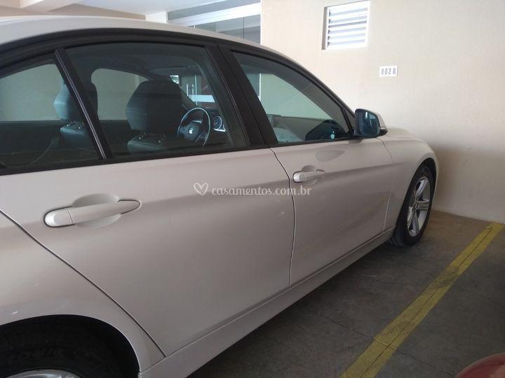 BMW 320I.
