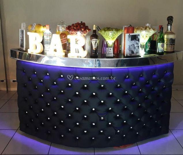 Bar curvo Preto