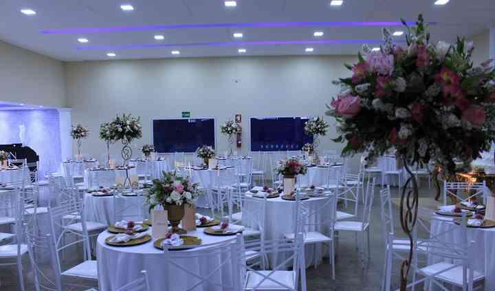 Salão com decoração clássica