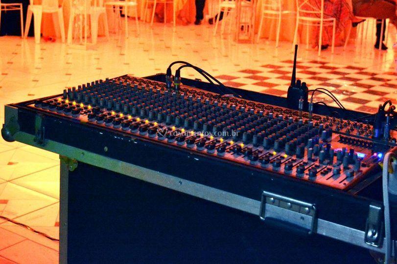 Equipamento de áudio