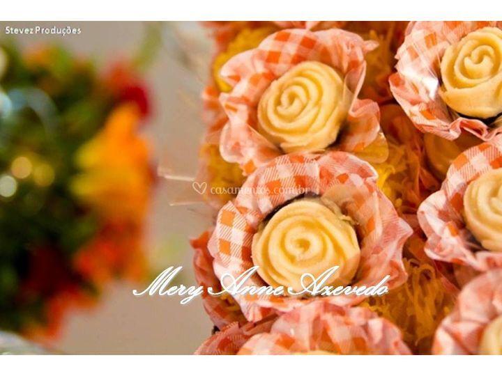 Flor de coco na ameixa