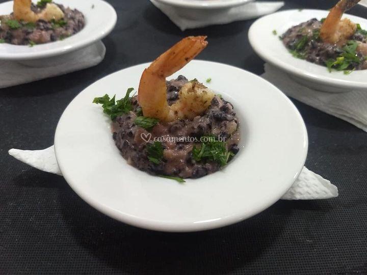 Risoto de arroz negro,camarão