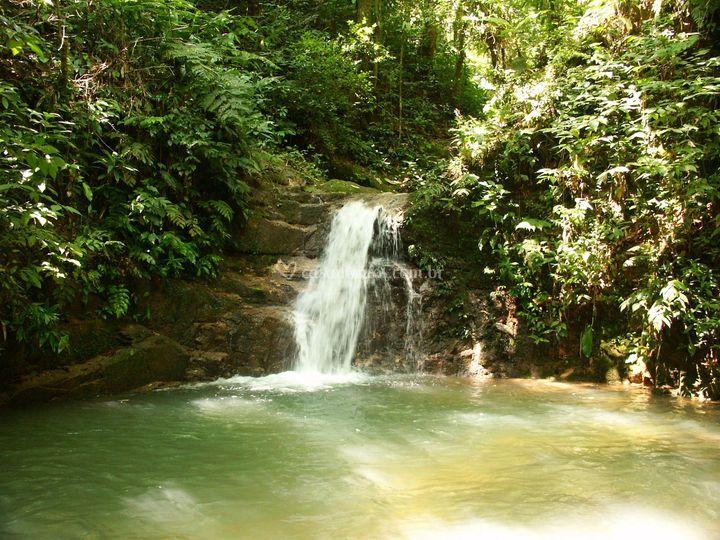 Cachoeira próxima a pousada