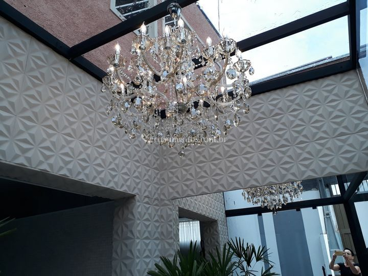 Lustre de cristal do hall