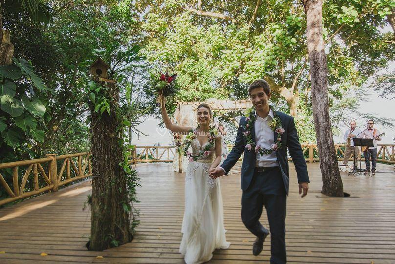 Cerimônia, saída dos noivos.