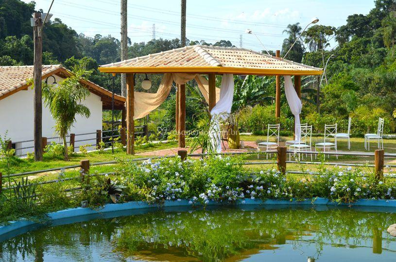 Lago e área da cerimônia