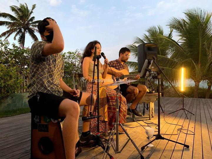Tibau do Sul, show em trio