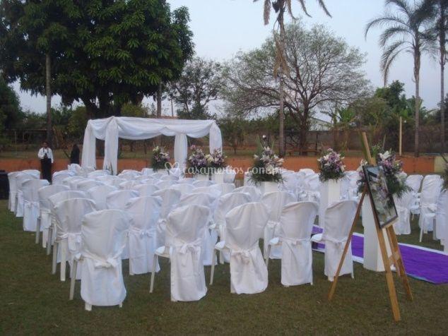 Cerimonial ao ar livre de Flor do Cerrado Espa�o para Eventos