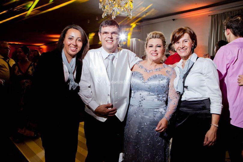 Assessoras com noivos