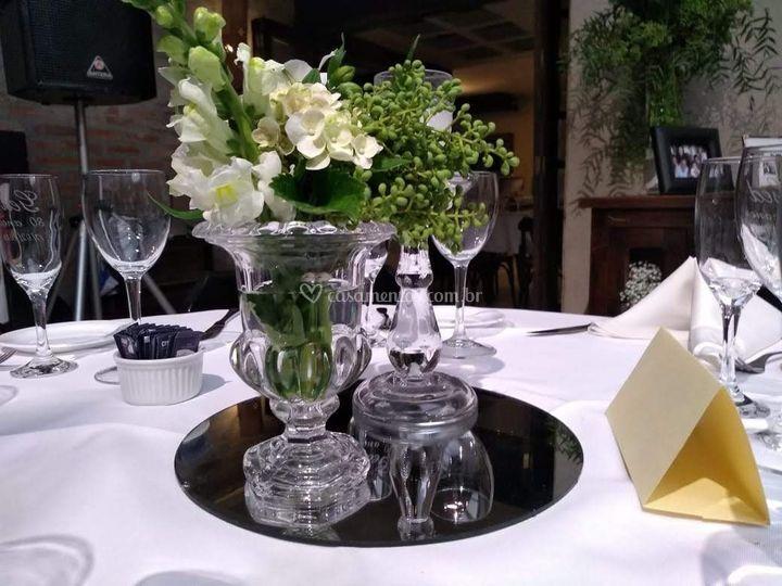 Arranjos mesa convidados