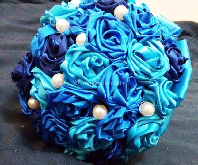 Azul mesclado com pérolas