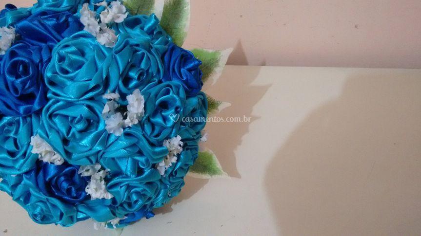 Buquê Flores de Cetim