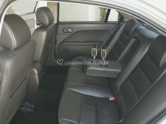 Espaço interno Ford Fusion