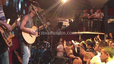 Show em Be Happy 2012