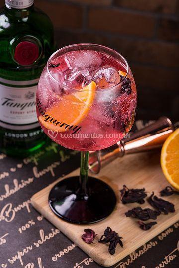Gin tônica hibisco