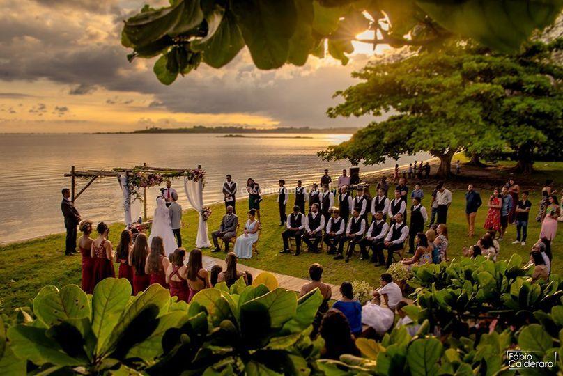 Casamento ao pôr do sol