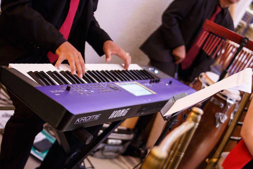 Ao som do piano digital