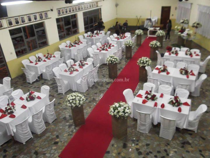 Cerimonia branco e vermelho