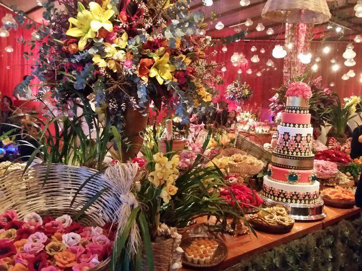 Luxuosa mesa de doces