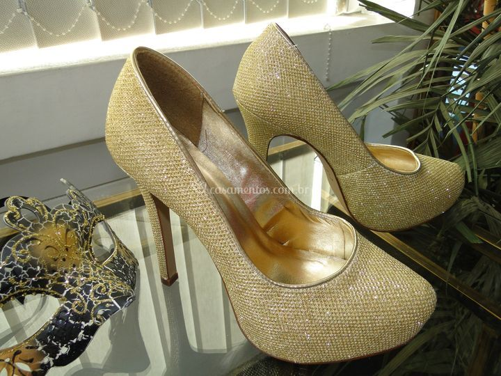 Scarpin Tory ouro