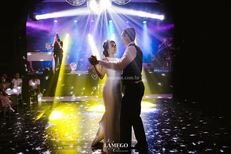 Dançou o casal