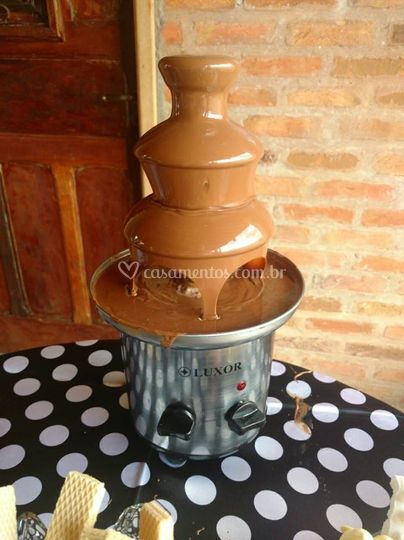Mini Cascata de Chocolate