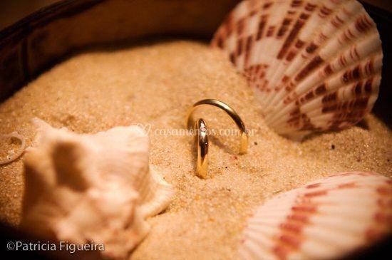 Alianças na areia