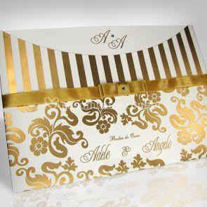 Convite com detalhes dourados