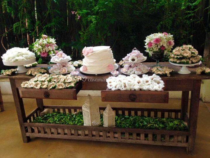 Mesa decorada com nossos doces