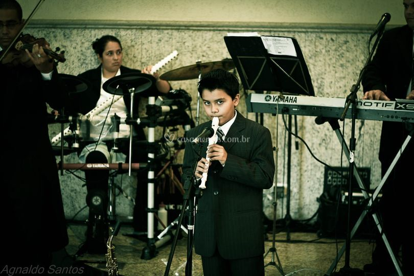 Orquestra e Victor Aguiar