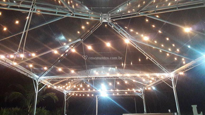 2 tendas 10x10 c/ Iluminação