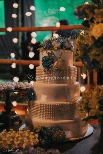 Detalhes das luzes e bolo