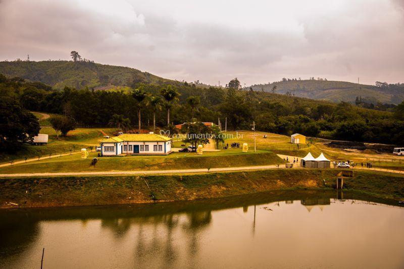 Lago e Casarão