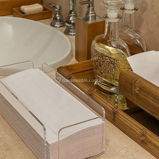 Toalhas de lavabo e toalheiros