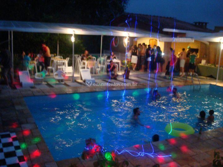 Iluminaçao na piscina
