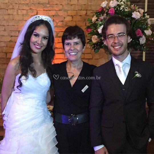 Cerimonialista e noivos