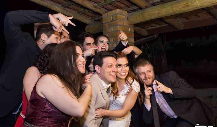 Noivos e Convidados