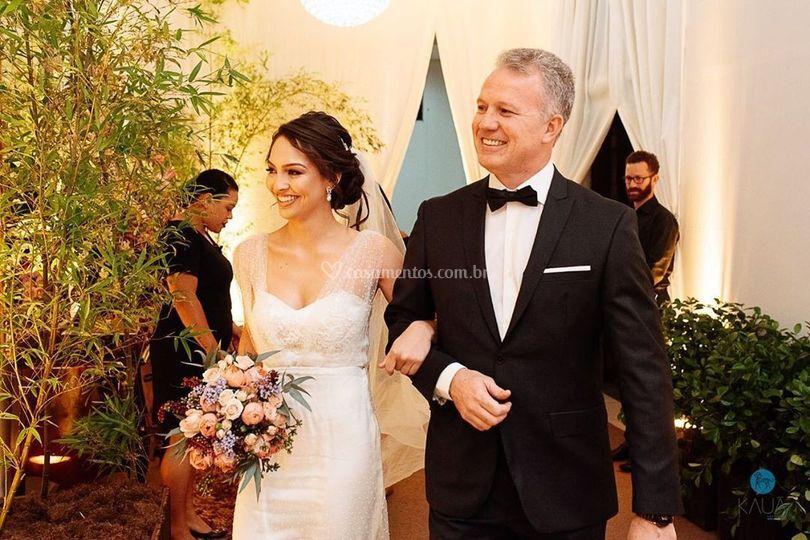 Entrada da Noiva  com seu pai.