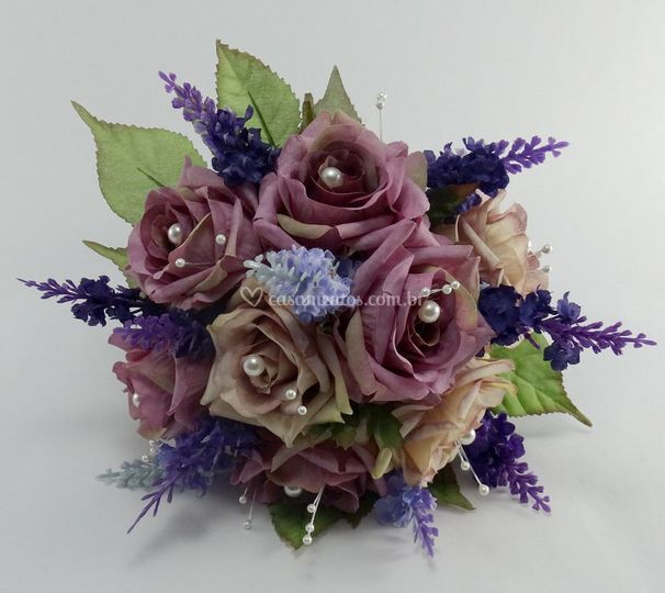 Buquê de rosas lilás e bege