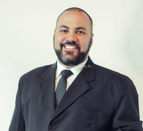 Pastor David Pecis