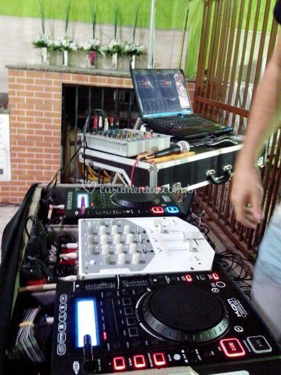 Equipamento profissional para DJ