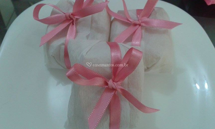 Bem casado detalhe rosa