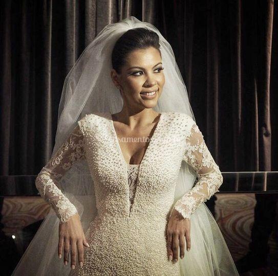 Vestido de noiva renda pérolas