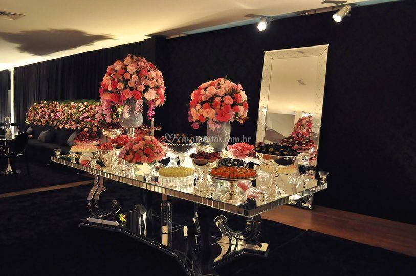 Mesa espelho veneziano.