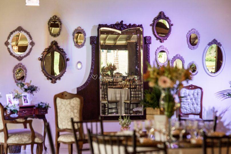 Lounge de espelhos