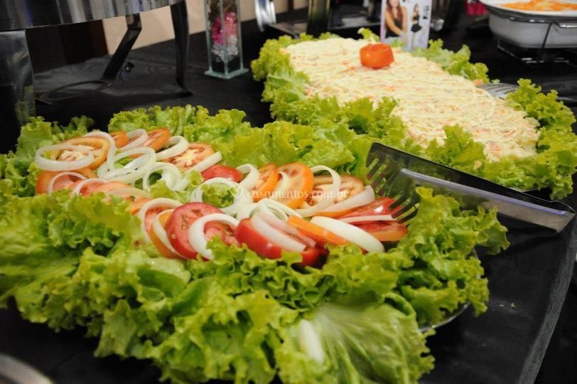 Moment 39 s buffet for Mesa salada para cumple