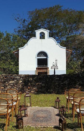 Cerimonia em frente a Capela